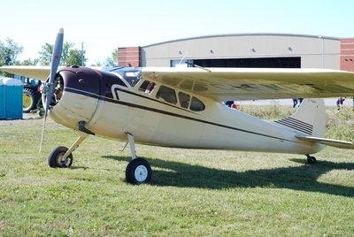 Photo de Wendel Hostetler Cessna 195 25%